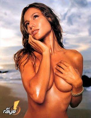 pampita-ardohain-desnuda_topless_sexy_morbazo_follando